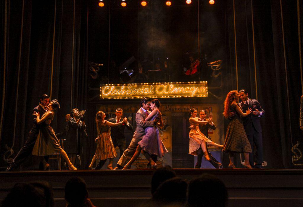 tango-show1